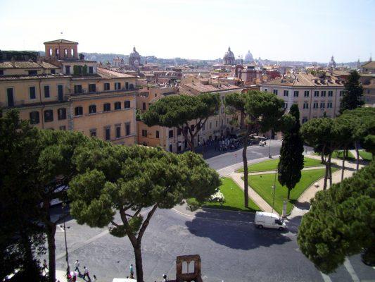 Roma via fori imperiali dal vittoriano