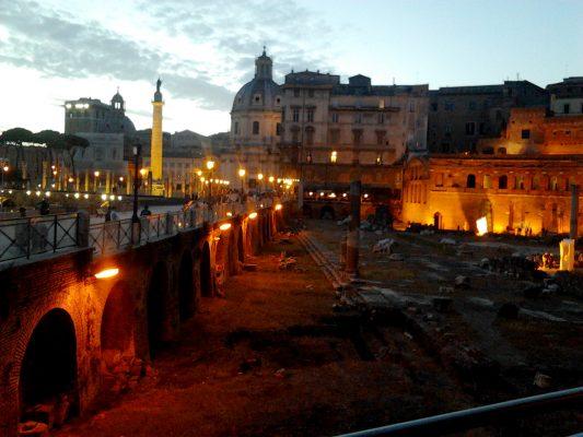 Roma, Foro Imperiale nuova illuminazione progettata da Storaro