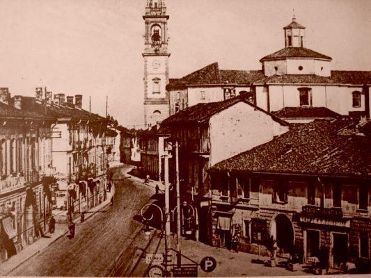 Piazza Italia alla fine degli anni '30 - Foto dal sito ProLoco Gorgonzola - www.prolocogorgonzola.it