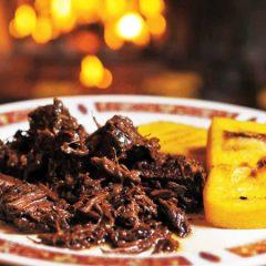 Dalla guerra alla tavola: la storia e la ricetta della Pastissada de Caval