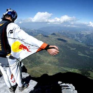 Il turismo strizza l'occhio al connubio sport e natura