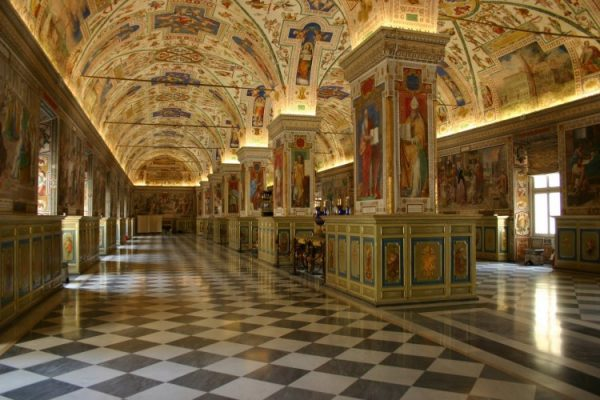 Turismo religioso e Vaticano